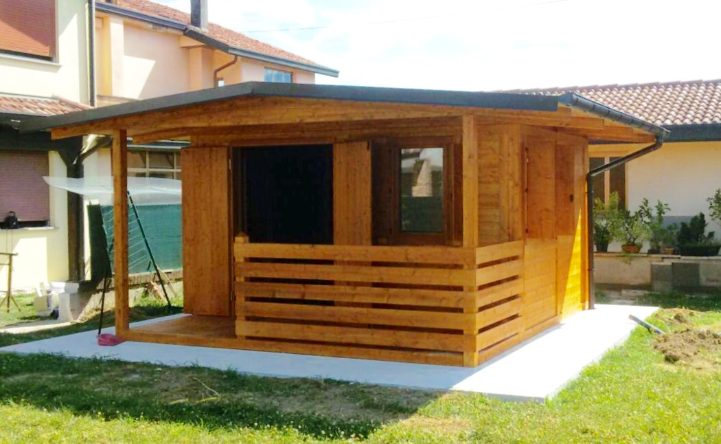 Case con portico in legno case canada house u gardens for Design moderno portico per case