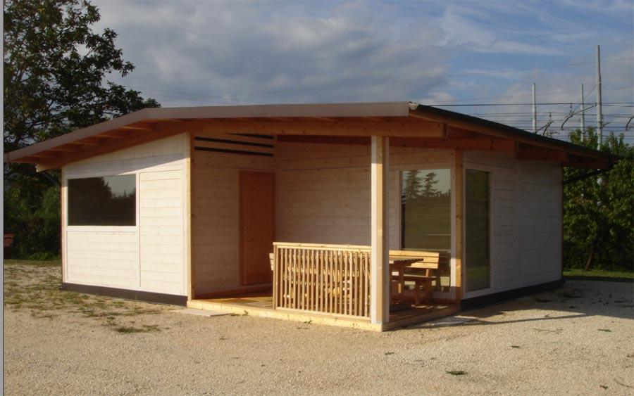 Bungalow in legno case abitabili in legno edil legno for Modello di casa bungalow