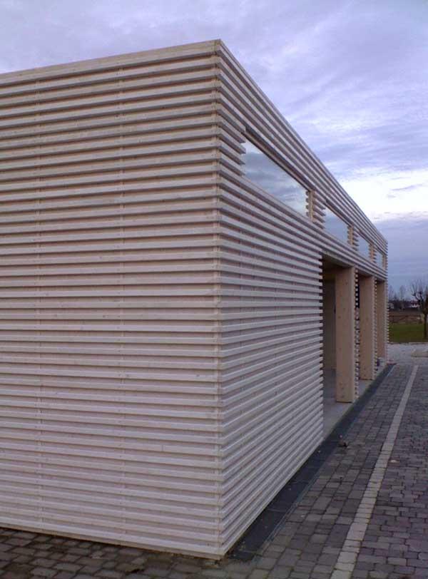 Bungalow in legno case abitabili in legno edil legno for Piccoli bungalow piani casa con garage