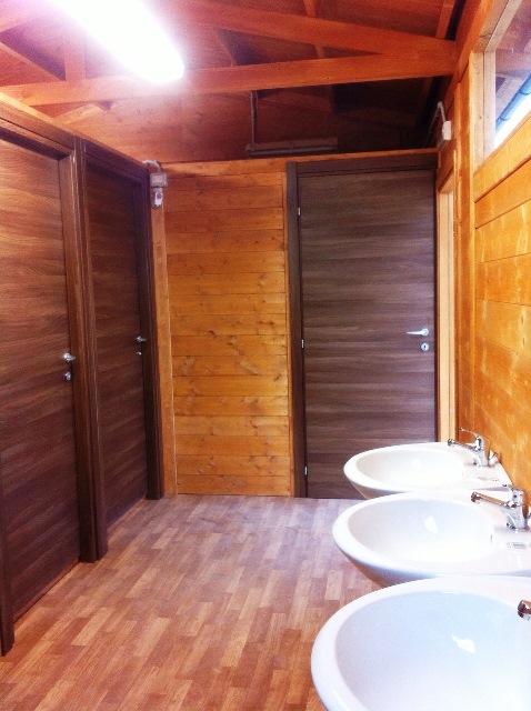 Casette da giardino in legno su misura edil legno - Bagno esterno prefabbricato ...