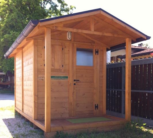 Casa moderna roma italy casette in legno per giardino prezzi for Casette di legno prezzi